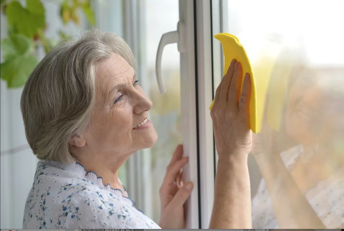 5 Essential House Cleaning Tips for Seniors